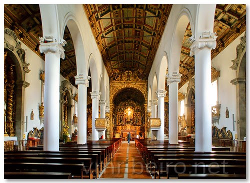 Interior da Igreja do Senhor de Matosinhos by VRfoto