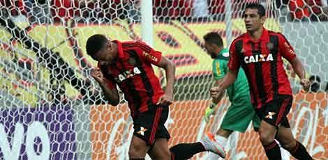 Na sua estreia, André marcou o primeiro gol do Leão / Diego Nigro/JC Imagem