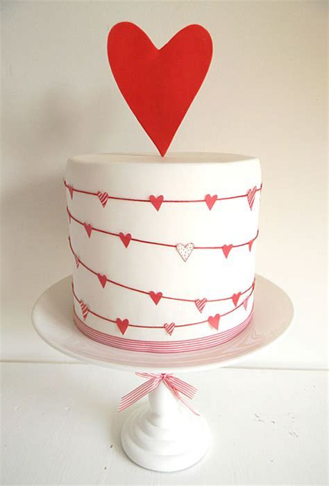5 Heart Themed Wedding Cakes Just In Time For Valentine's