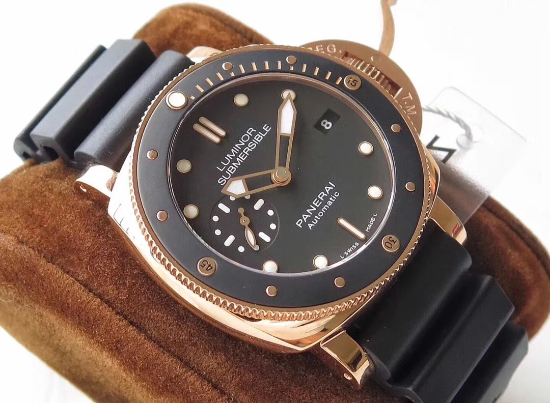 Panerai Luminor Submersible PAM 684 Rose Gold Watch