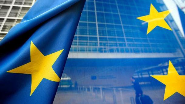 Αποτέλεσμα εικόνας για Η σημαία της ΕΕ αφαιρέθηκε από το κτήριο της προεδρικής διοίκησης στη Μολδαβία
