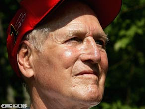 Oscar-winning actor Paul Newman died of cancer Friday at age 83.