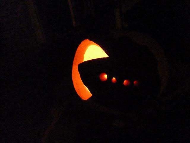 P1010658-2011-10-31-Halloween-Pumpkins-Jack-O-Lanterns