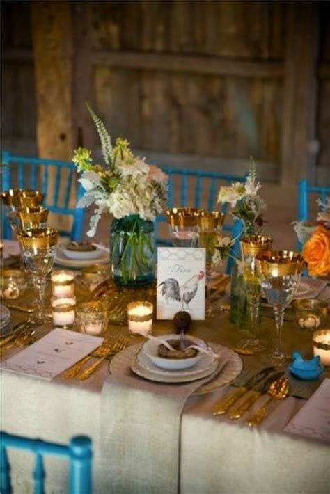 44 Beautiful Barn Wedding Table Settings   Weddingomania