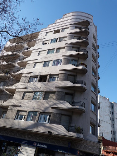 Edificio Lux, Montevideo
