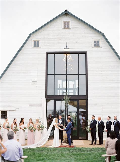 Top Barn Wedding Venues   Montana ? Rustic Weddings