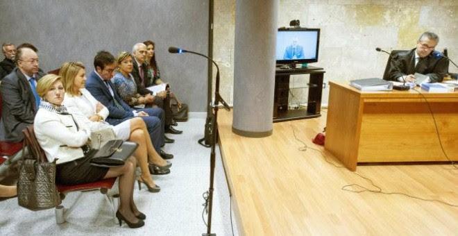 Imagen de la declaración de Cospedal y Bárcenas en los juzgados de Toledo. EFE
