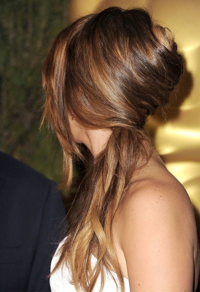 2 Le Fashion Blog Hair Inspiration 5 Inspiring French Twist Ponytails Ponytail Jennifer Lawrence Via Daily Makeover photo 2-Le-Fashion-Blog-Hair-Inspiration-5-Inspiring-French-Twist-Ponytails-Ponytail-Jennifer-Lawrence-Via-Daily-Makeover.jpg