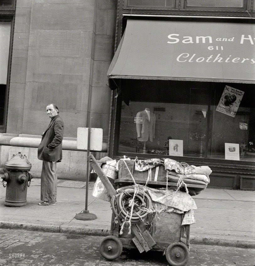 Manhattan Hobo: 1942