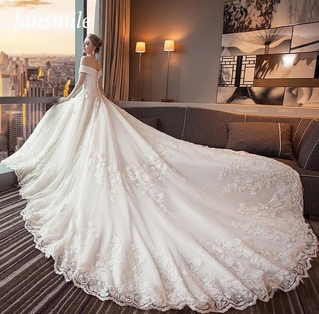 468ca38a884c Best Price Fansmile Luxury Long Train Vestido De Noiva Lace Wedding Dress  2018 Customized Plus Size Wedding Gowns Bridal Dress FSM-491T