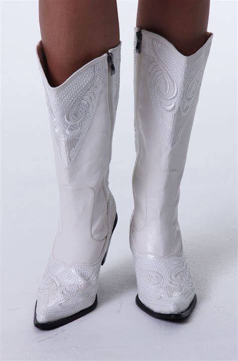 dress  style white western wedding boots ann  eve