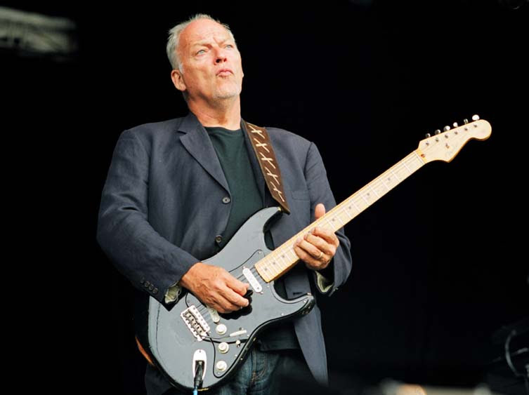 The Unique Guitar Blog: David Gilmour - The Black Strat on