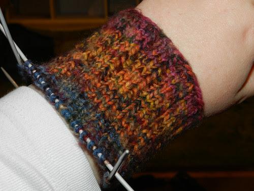 Knitting my arm warmer sleeves