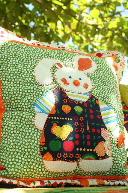 Cute baby quilt - inspiration.  Would be cute in one of those fold into a pillow quilts.