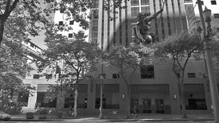 Portland - Portlandia statue