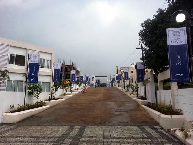 Entrance Road - Visit Gagan LaWish Pisoli Pune 411028