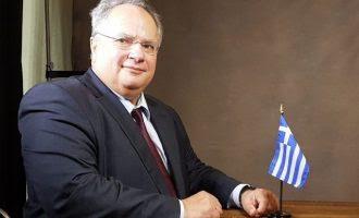 Ο Κοτζιάς βραβεύεται από τους Κύπριους των ΗΠΑ για τον πατριωτισμό του