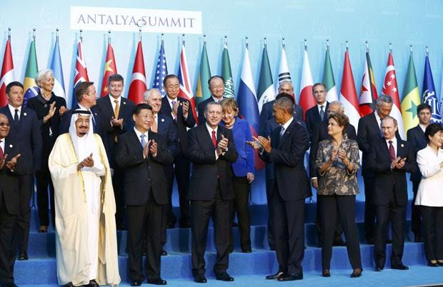 Foto oficial dos chefes de Estado do G20 no encontro de cúpula realizado na Turquia (Foto: Murad Sezer / Reuters)
