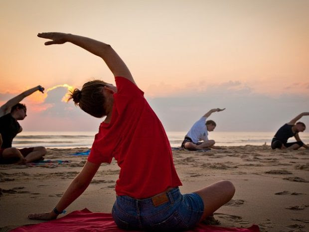 Surf and Yoga (5)