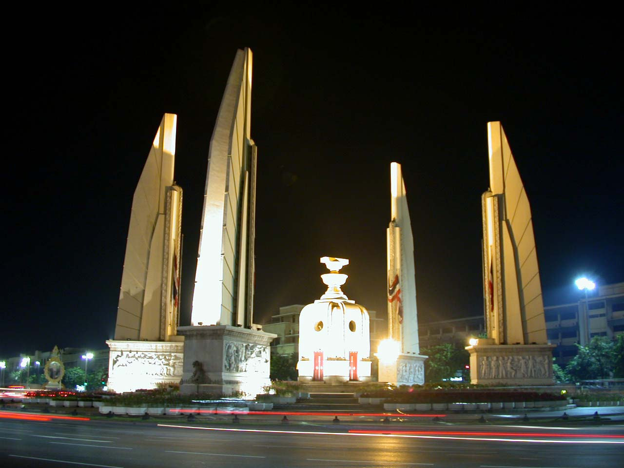 Democracy Monument Bangkok Location Map,Location Map of Democracy Monument Bangkok,Democracy Monument Bangkok accommodation destinations attractions hotels map photos pictures