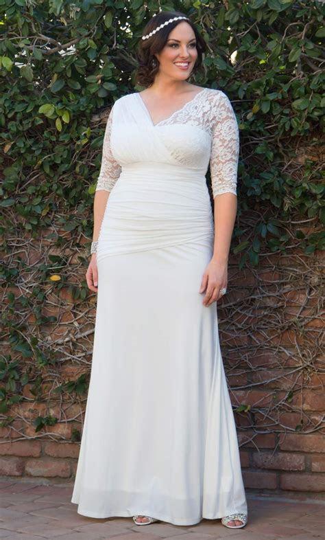 Elegant Aisle Wedding Gown: Kiyonna Clothing