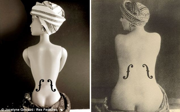 Glamour da velha escola: Barbie assume o Raio 1924 Man, foto Le Violon d'chamada Ingres, 1924