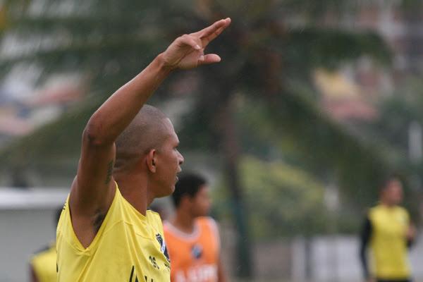 Elionar Bombinha vai ter a responsabilidade de assumir a vaga de Adriano Pardal, artilheiro alvinegro no campeonato, com nove gols