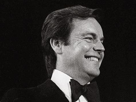 Robert Wagner   Photo 1   Pictures   CBS News
