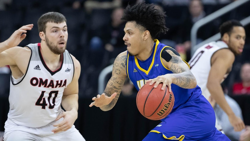 Armond Davis scored a career-high 26 points and made a career-best five three-point baskets in UCSB's loss at Omaha on Wednesday. (Photo by Mark Kuhlmann)