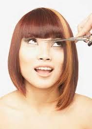 Cara Memotong Poni Rambut Anda Sendiri