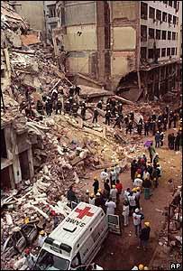 http://newsimg.bbc.co.uk/media/images/44225000/jpg/_44225029_buenosaires_bomb203x300.jpg