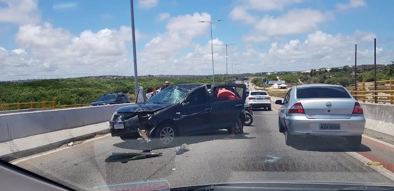 Acidente na ponte Newton Navarro deixa trânsito lento sentido Redinha