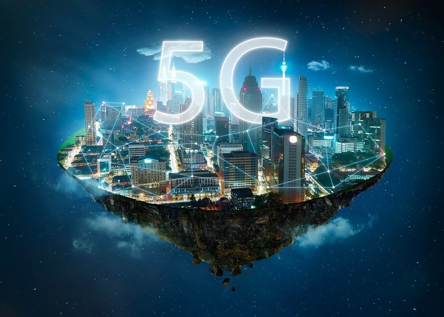 5G network wireless systems and internet of things , Smart city and communication network concept .