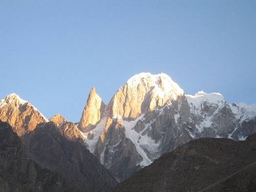 Ladyfinger Peak and neighbour, from Duikar viewpoint, sunrise