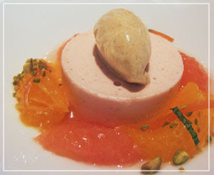銀座「Le Chat Souriant」にて、果物たっぷりデザート♪