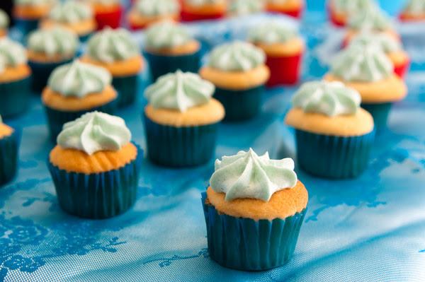Vanilla vanilla cupcakes