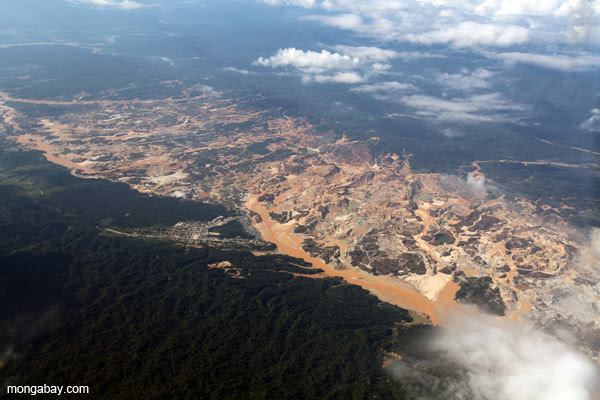 Rio Huaypetue mine outside of Cusco, Peru.
