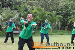 Outbound Leadership Program Batu, Outbound Leadership Program Trawas , Outbound Team Building Bersama Guru SD Jambangan www.1stoutbound.com 3