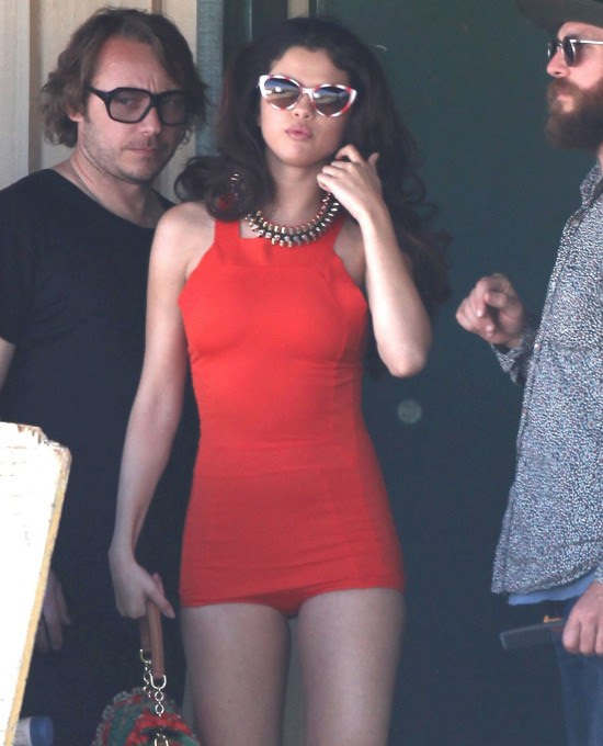 Selena-Gomez-Filming-a-Video-in-Los-Angeles-Pictures-Photos-0