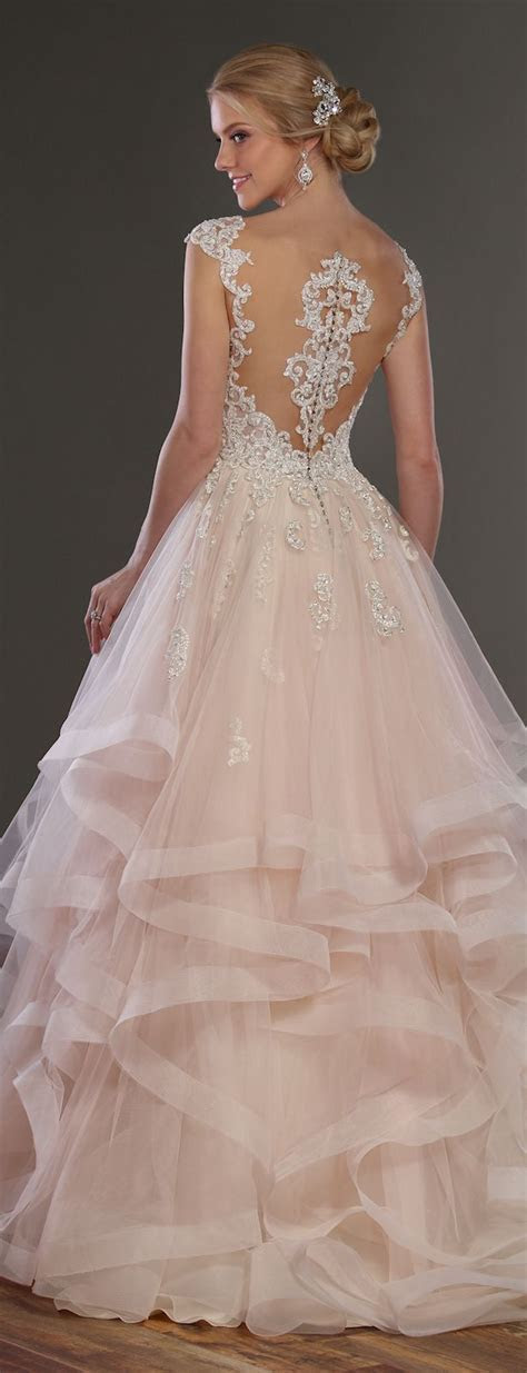 Best 25  Modern wedding dresses ideas on Pinterest   Sleek