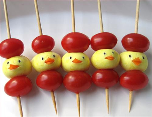 Cute Food Photos - Mini-Mozzarella Chicks & Cherry Tomato Skewers