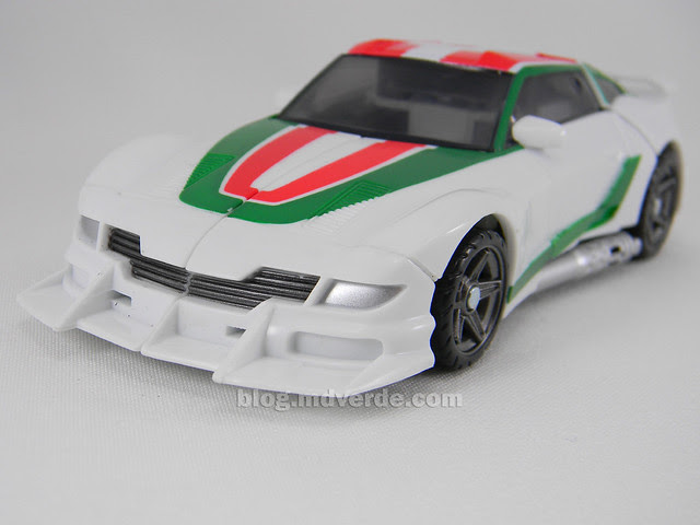 Transformers Wheeljack Generations Deluxe - modo alterno