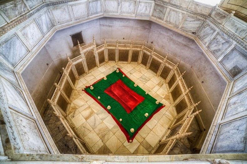 Tapi tahukah Anda bahwa India tidak hanya mempunyai satu tapi ada dua Taj Mahal India Punya 2 Taj Mahal