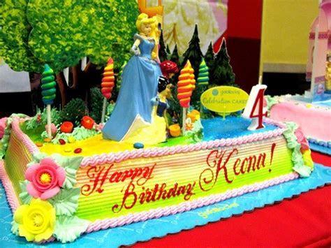 Goldilocks character birthday cake