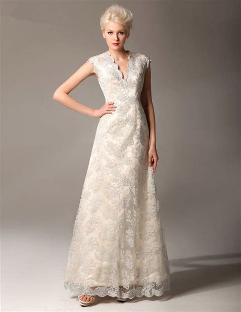Best 25  Mature bride dresses ideas on Pinterest   Dresses