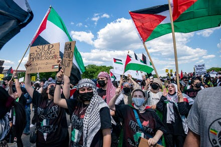 In Washington, hundreds take part in pro-Palestinian protests.