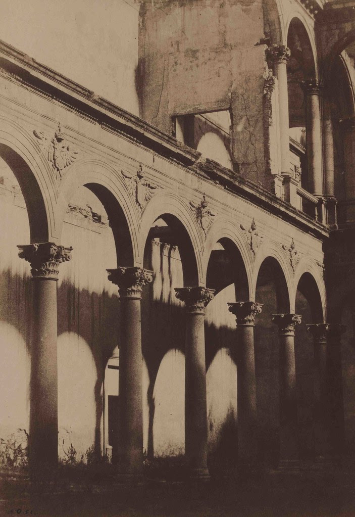 Patio del Alcázar de Toledo en 1852. Fotografía de Felix Alexander Oppenheim. © Art Library, National Museums in Berlin.
