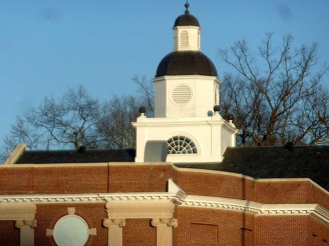 P1070422-2011-01-29-North-Fulton-High-School-Shutze-West-Facade-Cupolo-Lantern-detail