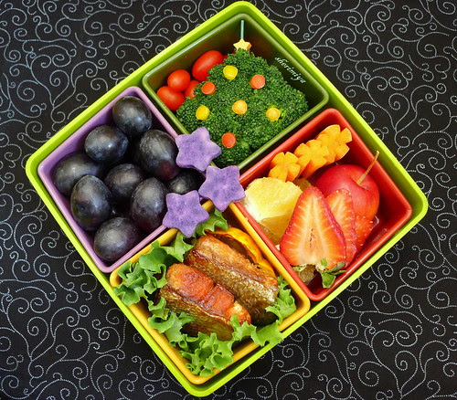 Christmas Tree Salmon Bento by sherimiya ♥