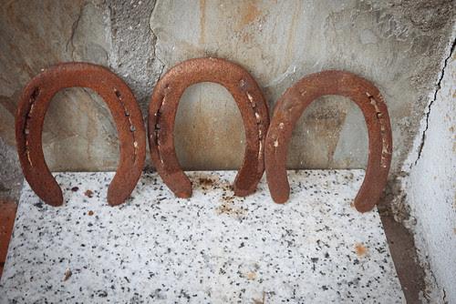 Tres herraduras
